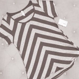 LuLaRoe Classic Tee Stripes XL Gray Brown Diagonal